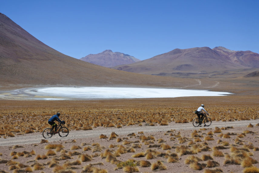 Journey to the Extreme Plateau: Crossing of the volcanoes and Salares (Bolivia-Chile)