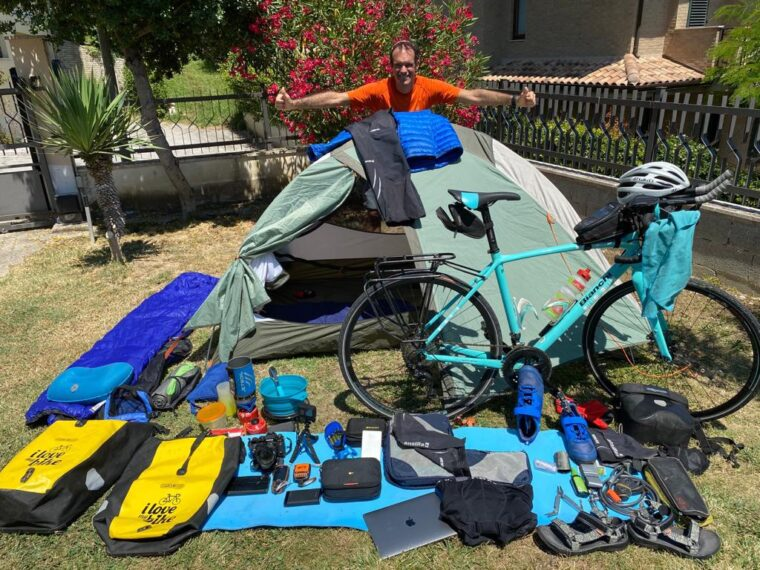 4140 km across the Italy by bicycle